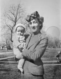 Julia Ann Smith Bonifield and daughter Julia Kay Bonifield