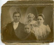 Tom, George, Lillie Mae and Cornie Irvin - unretouched scan with notes