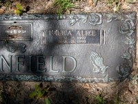 Laura Alice (Stalcup) Barnfield grave marker detail