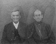 Leander and Elizabeth Snavely on December 26, 1907