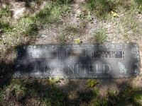 Lee and Alice Barnfield's grave marker