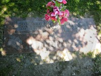 Bill and Gwen Barnfield's grave marker